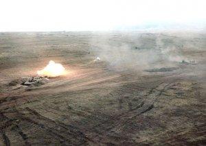 Azərbaycan ordusunun genişmiqyaslı təlimlərində gündüz vaxtı döyüş atışları keçirilib
