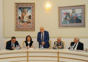 Azərbaycan qadın poeziyasında yeri olan şair