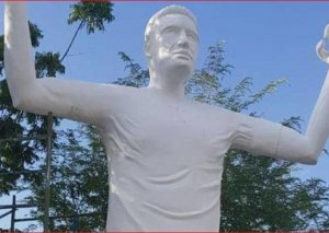 Kolumbiyada futbolçu Radamel Falkaoya heykəl qoyulub
