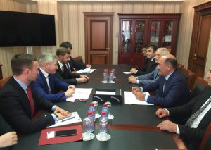 Əbülfəs Qarayev Moskva Hökumətinin naziri Aleksandr Kibovski ilə görüşüb