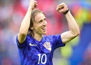 2018-ci ilin ən yaxşı futbolçusu Luka Modriç seçildi