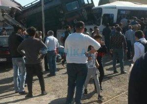 Avtobusun qatarla toqquşması nəticəsində xəsarət alan azyaşlı dünyasını dəyişib