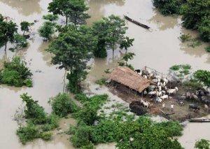 Şri-Lankada daşqınlardan 10 min nəfər zərər çəkib