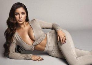 Məşhur modeldən seksual fotolar