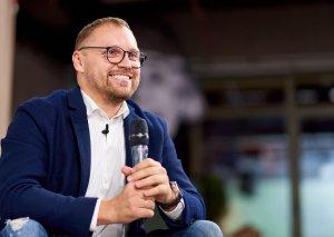 """Ukraynanın məşhur marketoloqu """"Brandfather"""" müəllif təlimi ilə Bakını ziyarət edəcək"""