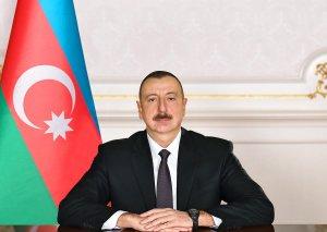 Azərbaycan Prezidenti dəniz nəqliyyatı işçilərini təltif edib