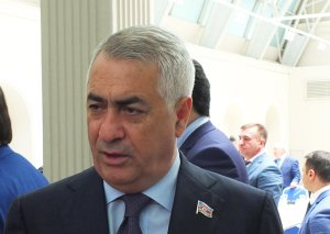 Cavid Qurbanov Bakı-Naxçıvan dəmir yolunun tikintisindən danışdı