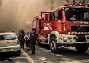 Mexikoda alkoqol fabrikində güclü partlayış baş verdi, 2 min insan təxliyə edildi