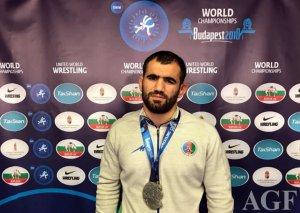 Güləşçimiz dünya çempionatında gümüş medal qazanıb