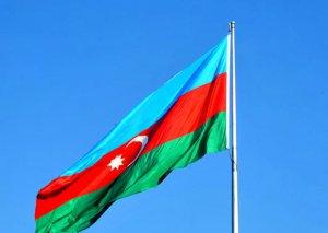 Tarixçi alim: Bütün çətinlikləri göz önünə alaraq, Azərbaycan vətəndaşı üçrəngli bayrağına sahib çıxdı