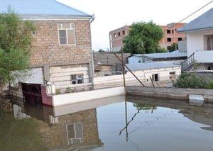 İcra hakimiyyəti: Lənkəranda sel nəticəsində 1 ailənin həyətini su basıb