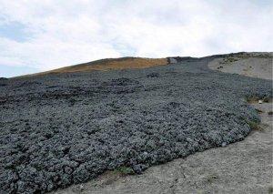 Bu vulkanların ətrafında yaşayanlar üçün ciddi təhlükə var