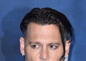 Coni Depp tanınmaz hala düşdü