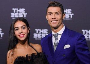 Ronaldo nişanlandı