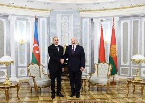 Lukaşenko: Belarus və Azərbaycan arasında mövcud münasibətləri daha da genişləndirmək mümkündür, buna çalışmaq lazımdır