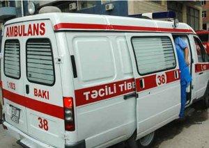Bakıda marşrut avtobusu qəzaya düşdü, sürücü öldü