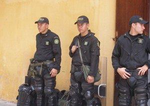 Kolumbiyada partlayış nəticəsində ən azı 4 polis yaralanıb