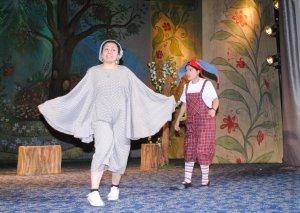 Sumqayıt Dövlət Dram Teatrı məktəblilərin görüşünə gəlib