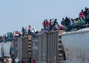 500-dən artıq qeyri-leqal miqrant Meksikadan ABŞ-a keçməyə cəhd göstərib