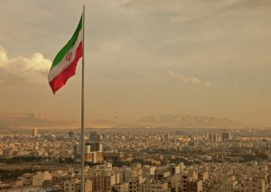 Nazir: İran dünya ticarətində öz payını almalıdır