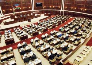 Parlament qanunlara düzəlişlər etdi