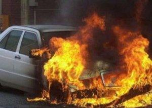 Xırdalanda minik avtomobili yanıb