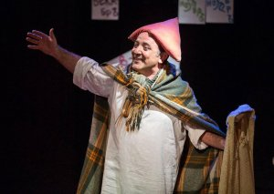 Əməkdar artist beynəlxalq teatr festivalında birinci olub