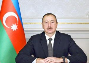 Prezident İlham Əliyev Tahir Salahova telefonla zəng edib