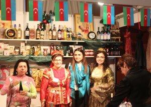 """Litvalılar Milad yarmarkasında Azərbaycan """"Yallı"""" rəqsini ifa ediblər"""
