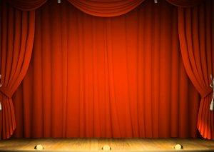 İrəvan teatrı bölgələrə gedir