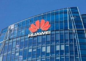 """Kanada məhkəməsi """"Huawei"""" şirkətinin maliyyə direktorunu sərbəst buraxıb"""