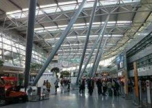 Almaniya aeroportlarında TƏTİL - Yüzlərlə reys təxirə salınıb
