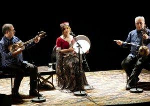 Parisdə Azərbaycan muğam triosunun konserti olub