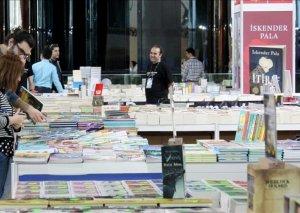 İstanbulda ilk dəfə yeni nəsil kitab sərgisi açılıb
