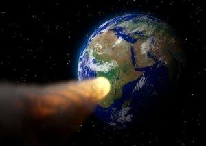 """Alimlər: """"Apofis"""" asteroidi 2068-ci ildə Yer kürəsinə düşə bilər"""