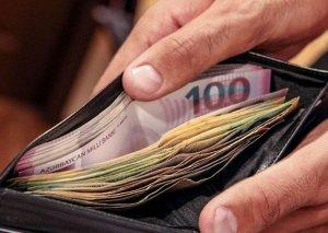 Azərbaycan əhalisinin banklardakı pulları artır
