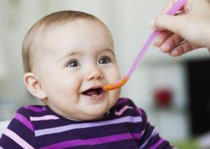 UNICEF: Azərbaycanda xəstəxanalarda yenidoğulanlara süni uşaq qidaları verilməməlidir