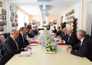 ADU və İlahiyyat İnstitutu elmi-texniki əməkdaşlıq protokolu imzalayıb