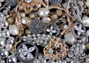 Ölkənin qızıl-gümüş bazarında QİYMƏTLƏR düşdü