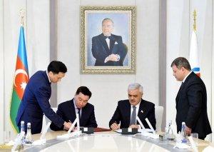 """SOCAR və """"KazMunayQaz"""" arasında anlaşma memorandumu imzalanıb"""