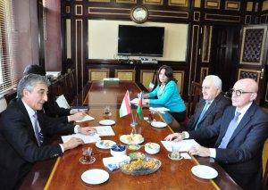 Firudin Qurbanov Tacikistan səfiri ilə görüşüb