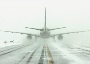 Moskvadan uçan təyyarə güclü şaxtaya görə Krasnoyarska çata bilmədi
