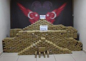 Türkiyədə banan yeşiklərindən 615 kq kokain çıxdı