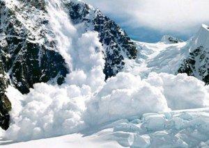 Şotlandiyada qar uçqunu nəticəsində üç alpinist ölüb, biri yaralanıb