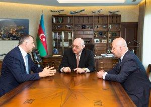AZAL prezidenti Batumi meri ilə görüşüb