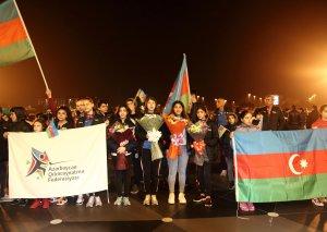 Polşada dünya birinciliyində çıxış edən şpaqaçılarımız vətənə qayıdıblar