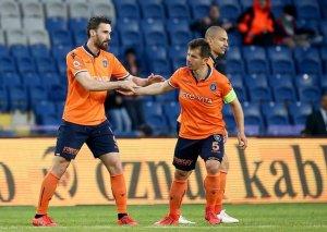 """""""Başakşəhər""""dən vacib qələbə, """"Trabzonspor"""" xal itirdi"""