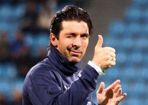 Buffon karyerasını İtaliyada davam etdirə bilər
