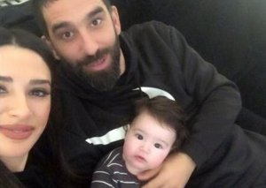 Arda Turan ilk dəfə oğlunu göstərdi - Fotolar