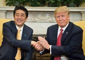 Tramp və Abe KXDR-nın denuklearizasiyasını müzakirə edəcəklər